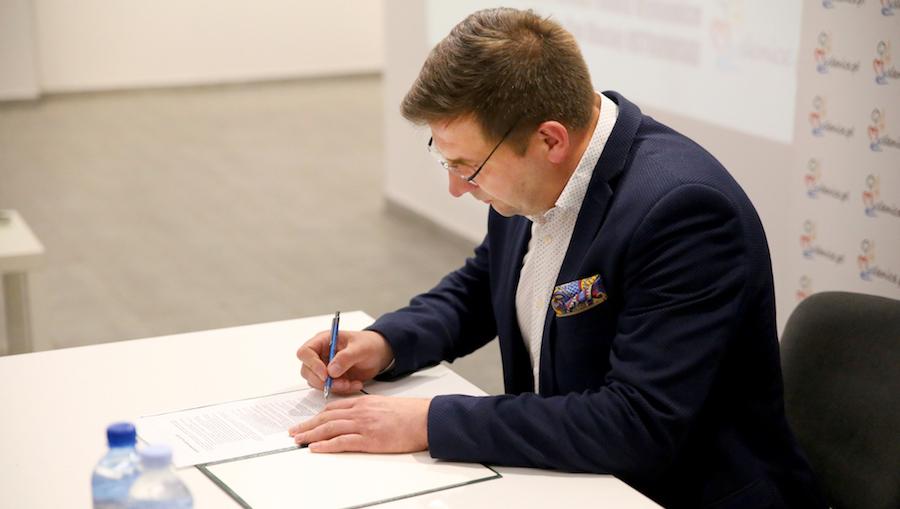 Samorządowa karta dla kultury Burmistrz Myślenic podpisał kartę